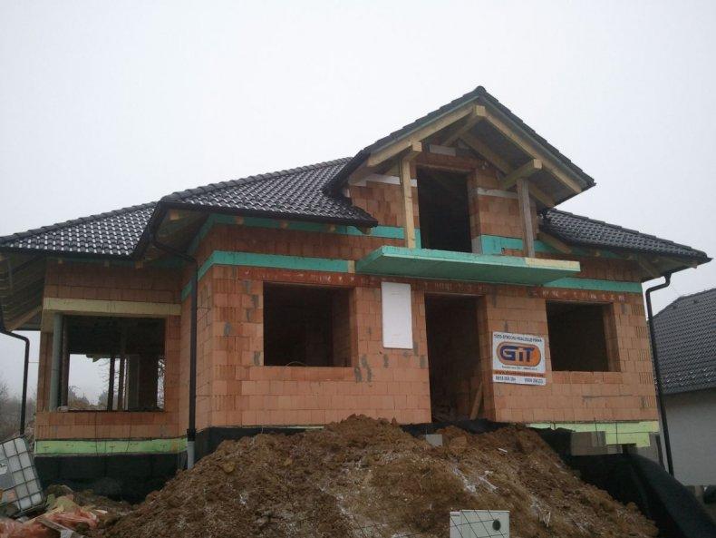 Kompletné zhotovenie strechy na novostavbe