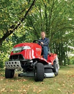 travni_traktory_honda
